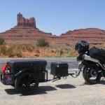 Adventure bike pulling bushtec trailer