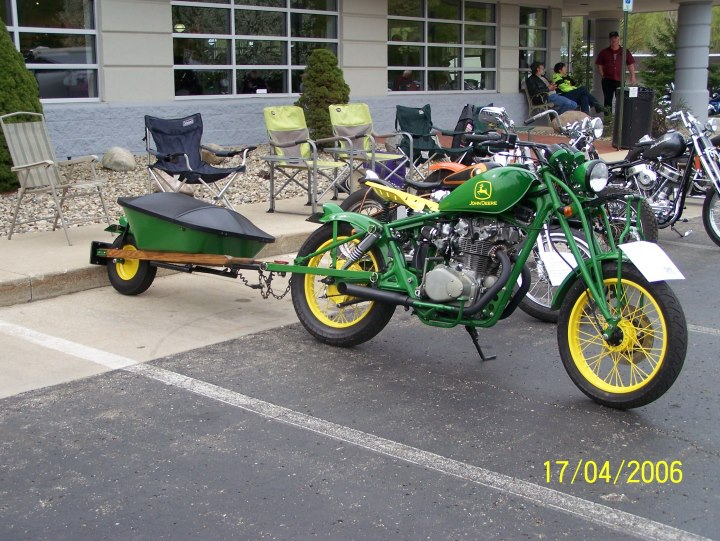 how to get a motorcycle on a trailer